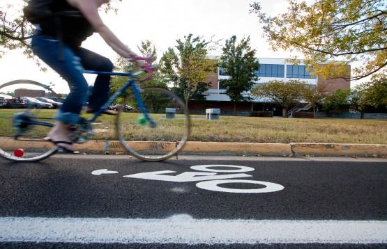 Bicycle_Lane_on_Eastern_Mennonite_University_Campus
