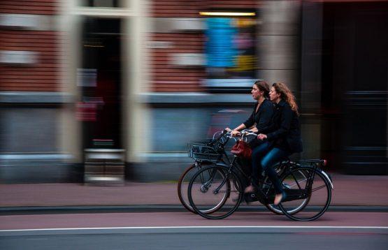 cyclists-690644_960_720
